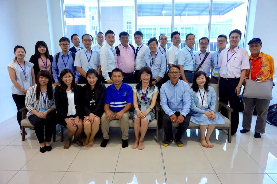 圖說:回收基管會許明華副執行秘書與泰國環境部環境品質推動處分享臺灣推動資源回收經驗情形(圖片提供/กองยุทธศาสตร์ตรวจและแผนงาน泰國環境部環境品質推動處)